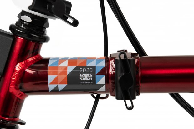 Exclusively designed with Team GB branding with a red lacquer main frame.