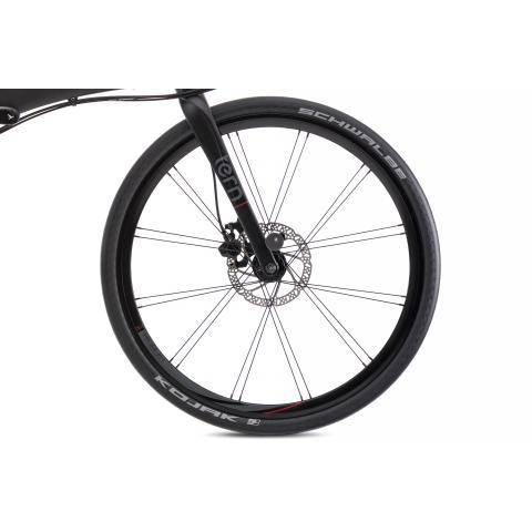Lightweight Kinetix Pro Disc Wheels.