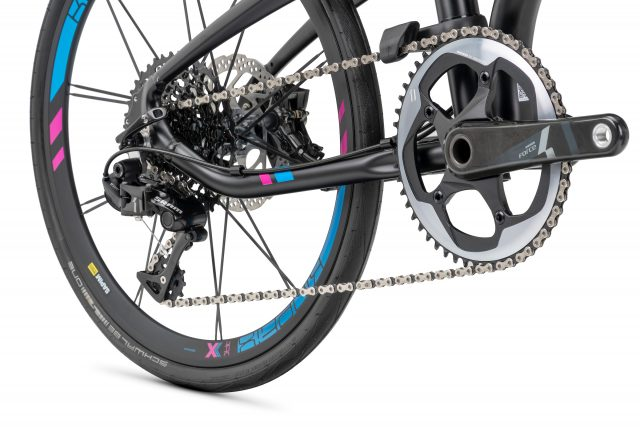 Tern Verge X11 has one large chainring and a massive cassette.